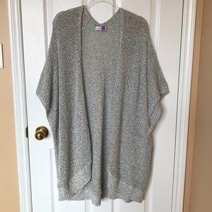 COMMUNITY BY ARITZIA Gray Sweater Cape Size XXS